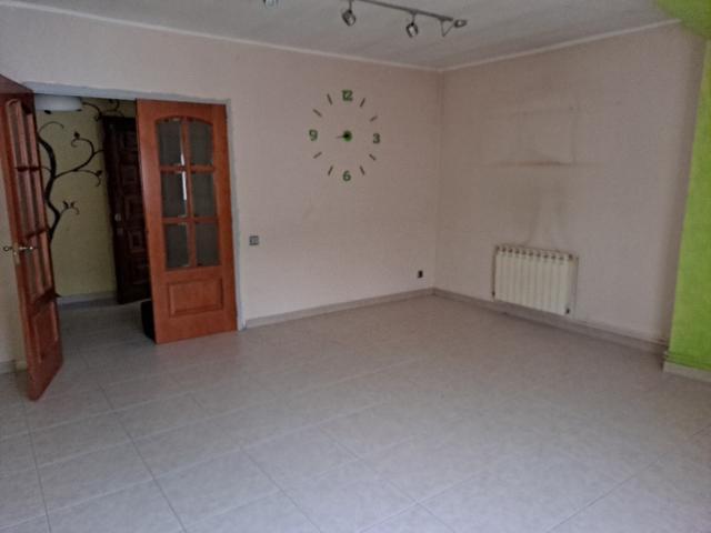 Piso en venta en Les Casetes D`en Julià, Vallirana, Barcelona, Calle Lluis Companys, 148.400 €, 3 habitaciones, 1 baño, 106 m2
