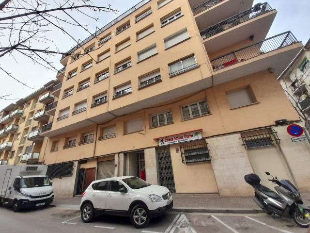 Piso en venta en Santa Eugènia, Girona, Girona, Calle Montnegre, 110.000 €, 3 habitaciones, 1 baño, 97 m2
