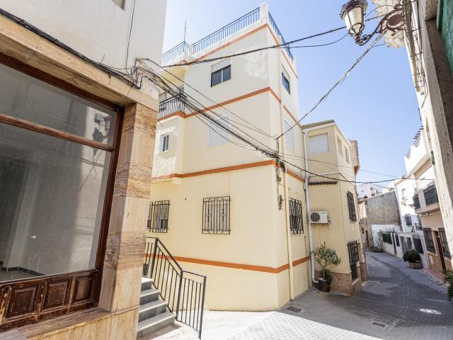Piso en venta en Albox, Almería, Calle Jose Manuel Serrano, 34.448 €, 3 habitaciones, 1 baño, 107 m2