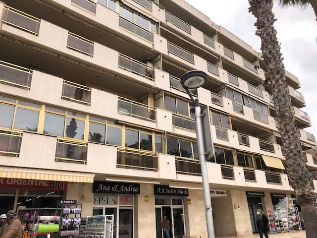 Local en venta en Cap Salou, Salou, Tarragona, Calle Carrilet (del), 170.000 €, 105 m2