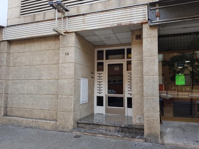 Piso en venta en Salt, Girona, Calle Torras I Bages, 86.000 €, 3 habitaciones, 70 m2