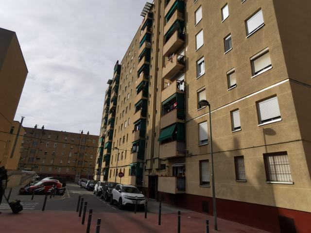 Piso en venta en Sabadell, Barcelona, Calle Calle Torners Dels 8 Grupo Espronceda Norte, 112.900 €, 3 habitaciones, 2 baños, 88 m2