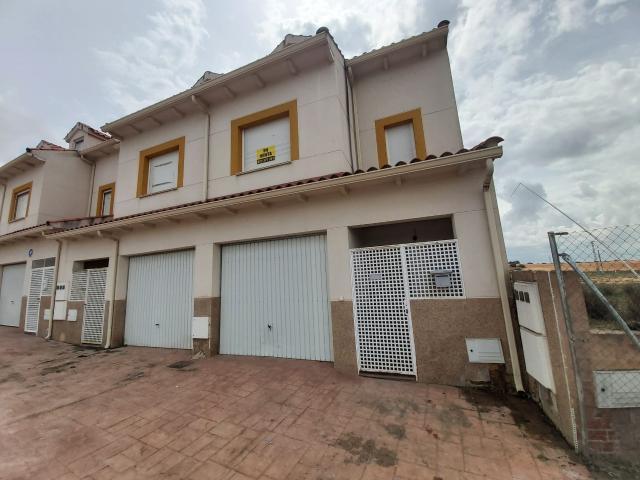 Casa en venta en Villarrubio, Cuenca, Avenida Cantante Nino Bravo, 70.700 €, 3 habitaciones, 3 baños, 168 m2