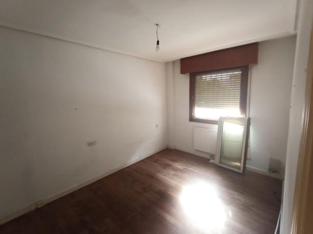 Piso en venta en Piso en Gernika-lumo, Vizcaya, 175.000 €, 3 habitaciones, 2 baños, 105 m2