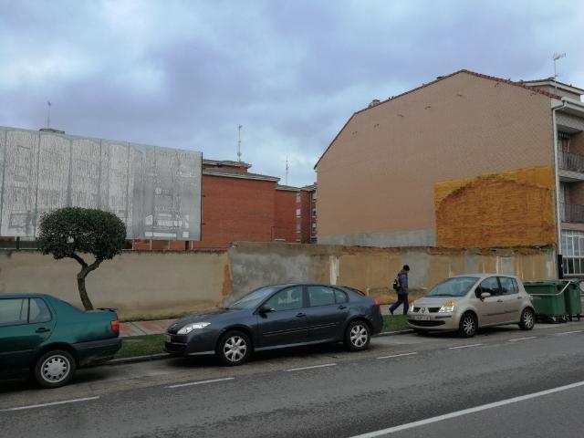 Suelo en venta en Venta de Baños, Palencia, Avenida Primero de Junio, 157.000 €, 797 m2