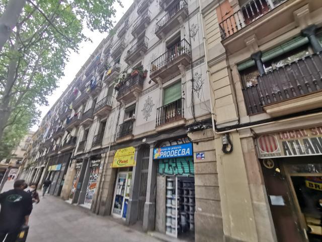 Piso en venta en Ciutat Vella, Barcelona, Barcelona, Calle Rambla Raval, 248.400 €, 1 habitación, 1 baño, 84 m2