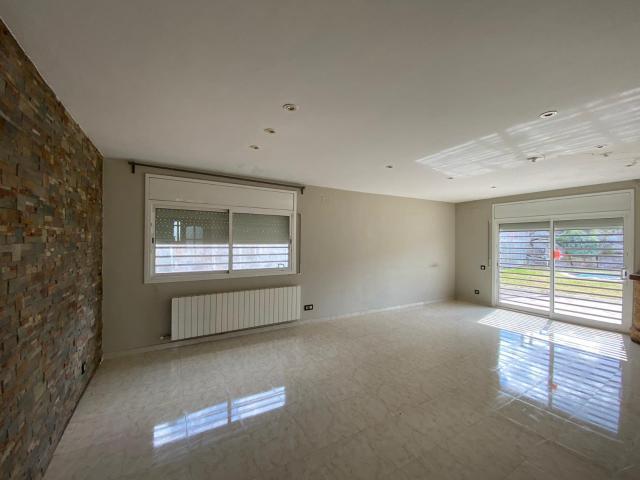 Casa en venta en Breda, Riells I Viabrea, Girona, Calle Collformic, 249.000 €, 4 habitaciones, 2 baños, 226 m2