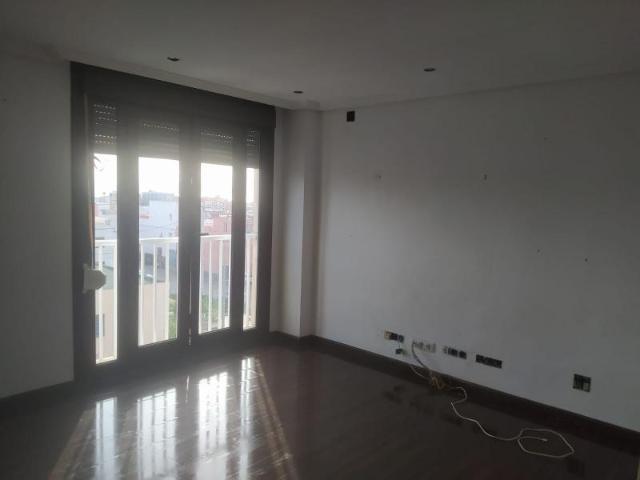 Piso en venta en Almería, Almería, Calle Antona Merce, 67.500 €, 3 habitaciones, 2 baños, 105 m2