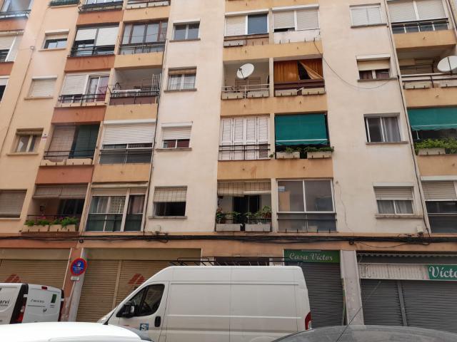 Piso en venta en El Carme, Reus, Tarragona, Calle Benidorm, 43.058 €, 3 habitaciones, 1 baño, 74 m2