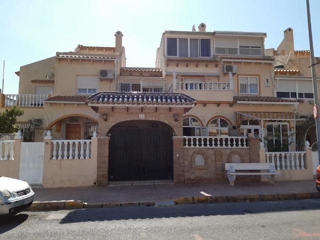Casa en venta en Orihuela Costa, Orihuela, Alicante, Calle Nicolas Bussi, 139.600 €, 3 habitaciones, 2 baños, 92 m2