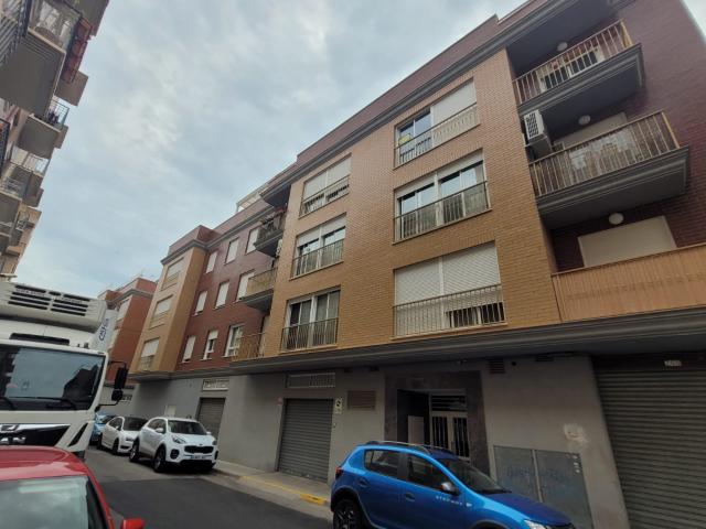 Piso en venta en Grupo Pío Xii, Almazora/almassora, Castellón, Calle Santo Tomas, 125.000 €, 4 habitaciones, 2 baños, 169 m2