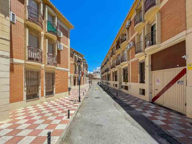 Piso en venta en Armilla, Granada, Calle Virgen de la Nieves, 78.000 €, 2 habitaciones, 1 baño, 79 m2