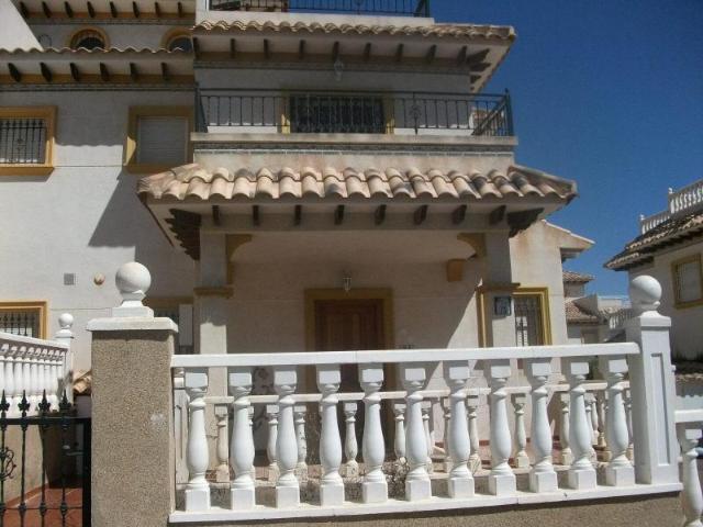 Piso en venta en Piso en Orihuela, Alicante, 72.000 €, 2 habitaciones, 2 baños, 75 m2