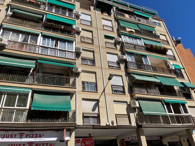 Piso en venta en Piso en Benidorm, Alicante, 139.900 €, 101 m2