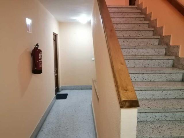 Piso en venta en El Cristo Y Buenavista, Oviedo, Asturias, Calle Facetos, 66.100 €, 3 habitaciones, 1 baño, 71 m2