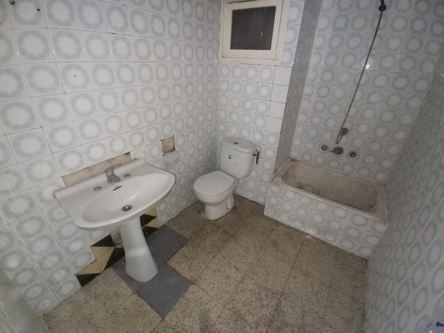 Piso en venta en Piso en Banyoles, Girona, 79.000 €, 3 habitaciones, 1 baño, 92 m2