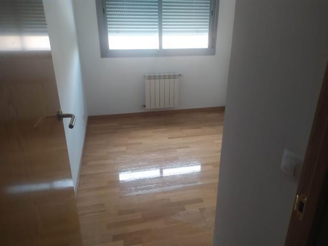 Piso en venta en Piso en Villalbilla, Madrid, 180.000 €, 3 habitaciones, 2 baños, 108 m2, Garaje