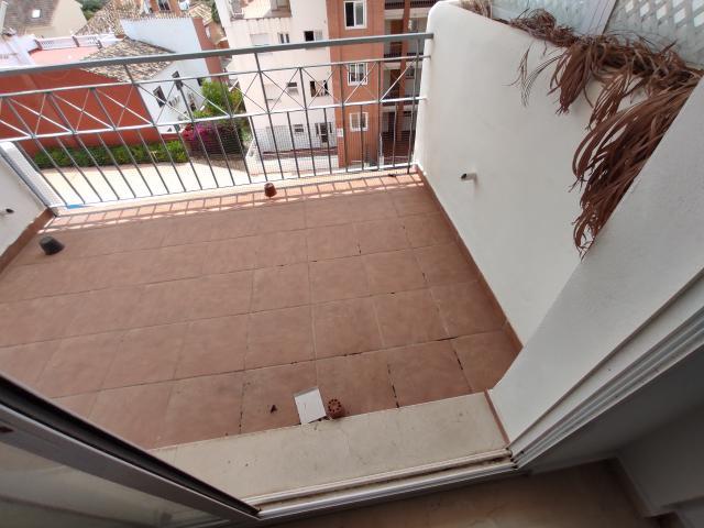 Piso en venta en Piso en Fuengirola, Málaga, 123.900 €, 2 habitaciones, 2 baños, 83 m2