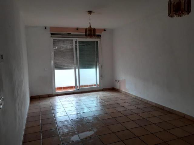 Piso en venta en Piso en Ojén, Málaga, 135.000 €, 2 habitaciones, 2 baños, 126 m2, Garaje