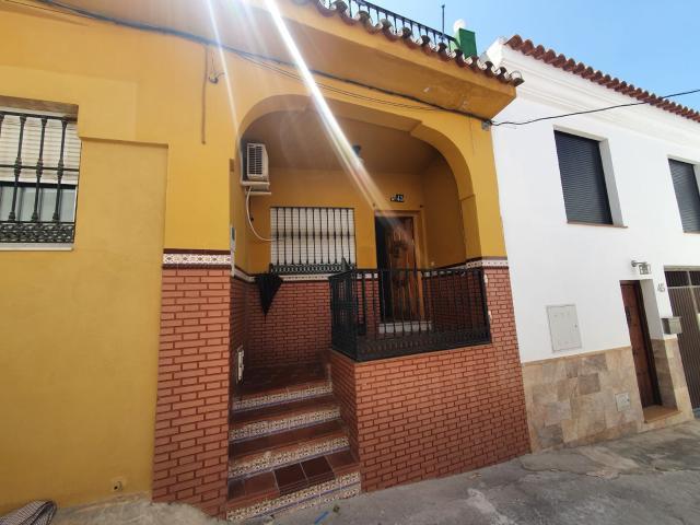 Casa en venta en Casa en Alhaurín El Grande, Málaga, 105.000 €, 3 habitaciones, 1 baño, 125 m2