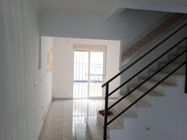 Casa en venta en Casa en la Puebla del Río, Sevilla, 84.800 €, 3 habitaciones, 1 baño, 95 m2