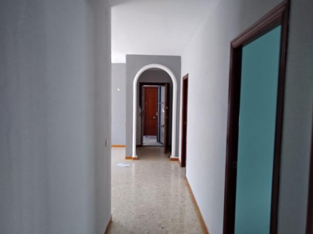 Piso en venta en Piso en Utrera, Sevilla, 84.800 €, 4 habitaciones, 2 baños, 121 m2