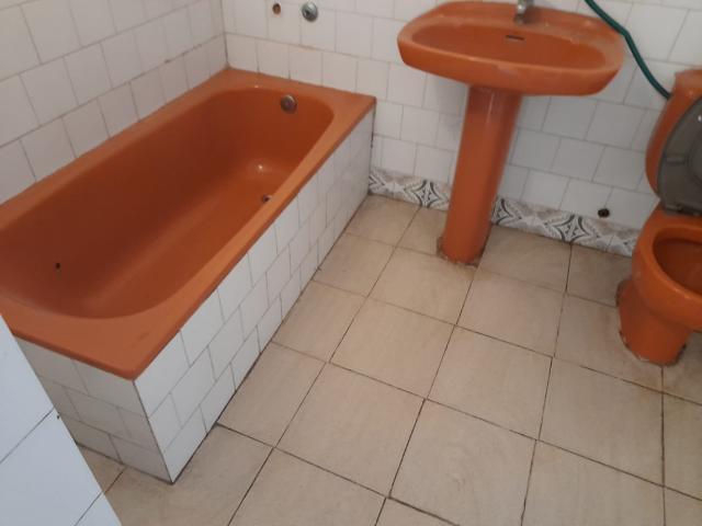 Piso en venta en Piso en Reus, Tarragona, 104.000 €, 4 habitaciones, 2 baños, 115 m2