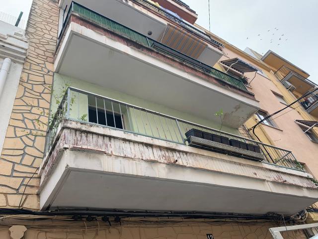 Piso en venta en Gandia, Valencia, Calle Montduver, 60.000 €, 5 habitaciones, 1 baño, 117 m2