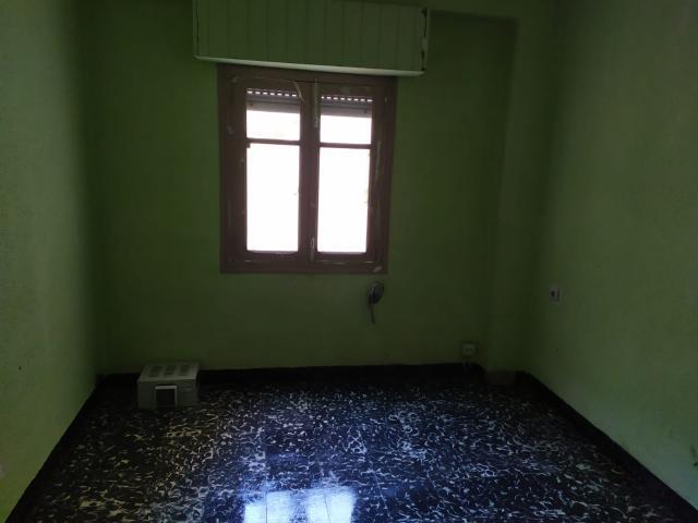 Piso en venta en Piso en Gandia, Valencia, 60.000 €, 5 habitaciones, 1 baño, 117 m2