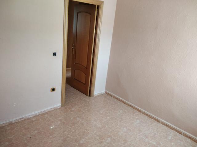 Piso en venta en Piso en San Juan del Puerto, Huelva, 68.000 €, 3 habitaciones, 2 baños, 100 m2