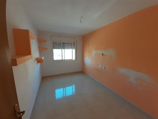 Piso en venta en Piso en la Pobla Mafumet, Tarragona, 105.000 €, 3 habitaciones, 2 baños, 117 m2