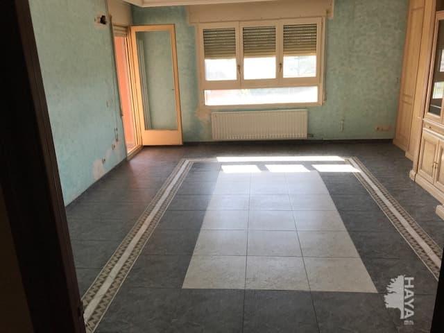 Piso en venta en Centre Històric, Lleida, Lleida, Calle Ponts, 91.500 €, 4 habitaciones, 2 baños, 108 m2