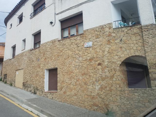 Piso en venta en Xalet Sant Jordi, Palafrugell, Girona, Calle la Bisbal, 88.000 €, 3 habitaciones, 1 baño, 94 m2