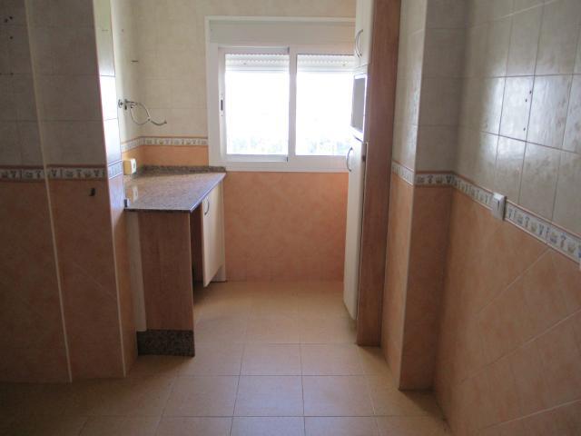 Piso en venta en Los Albarizones, Jerez de la Frontera, Cádiz, Calle Urbanización Torresblancas, 108.000 €, 3 habitaciones, 2 baños, 91 m2
