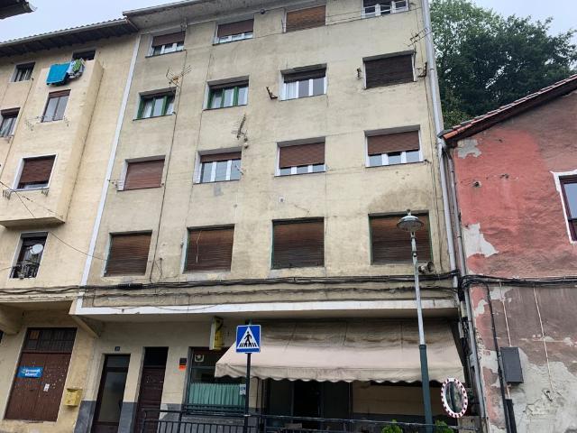 Piso en venta en Aranerreka, Bergara, Guipúzcoa, Barrio Osintxu Auzoa, 65.000 €, 3 habitaciones, 1 baño, 80 m2