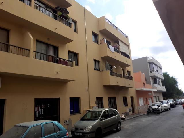 Piso en venta en El Fraile, Arona, Santa Cruz de Tenerife, Calle Salinas del Faro, 72.000 €, 2 habitaciones, 1 baño, 66 m2