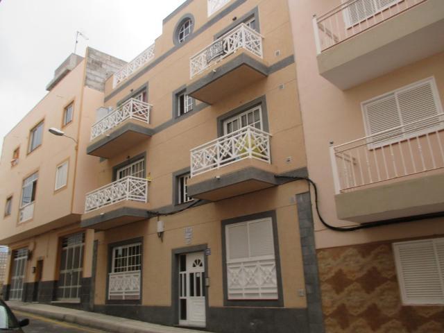Piso en venta en Guargacho, San Miguel de Abona, Santa Cruz de Tenerife, Calle Norte, 90.000 €, 2 habitaciones, 1 baño, 61 m2
