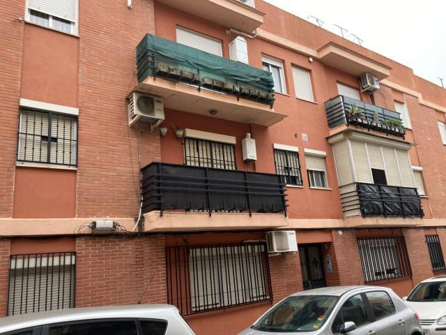 Piso en venta en Distrito Bellavista-la Palmera, Sevilla, Sevilla, Calle Plata, 68.100 €, 2 habitaciones, 1 baño, 70 m2