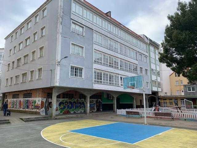 Piso en venta en Cedeira, A Coruña, Calle Puentes de Garcia Rodriguez, 85.000 €, 3 habitaciones, 2 baños, 132 m2