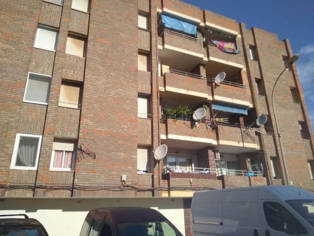 Piso en venta en El Port de Sagunt, Sagunto/sagunt, Valencia, Calle Poeta Querol, 27.675 €, 3 habitaciones, 1 baño, 108 m2