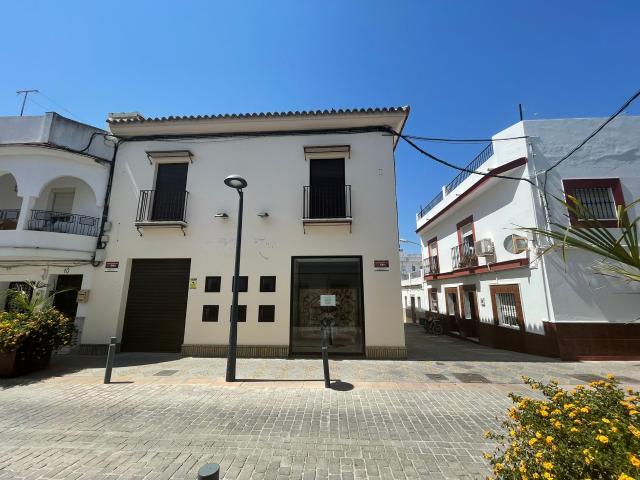 Local en venta en El Cuervo de Sevilla, Sevilla, Calle Manuela González, 159.000 €, 151 m2