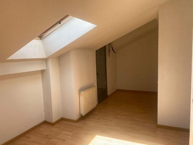 Piso en venta en Azuqueca de Henares, Guadalajara, Calle la Libertad, 90.300 €, 1 habitación, 1 baño, 71 m2