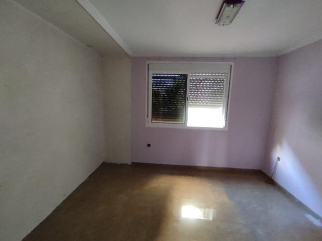 Piso en venta en Distrito San Pablo-santa Justa, Sevilla, Sevilla, Calle Francisco Elias Riquelme, 76.800 €, 3 habitaciones, 1 baño, 73 m2