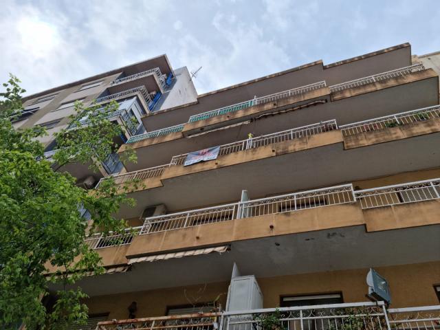 Piso en venta en Gandia, Valencia, Calle 9 de Octubre, 49.035 €, 3 habitaciones, 1 baño, 116 m2