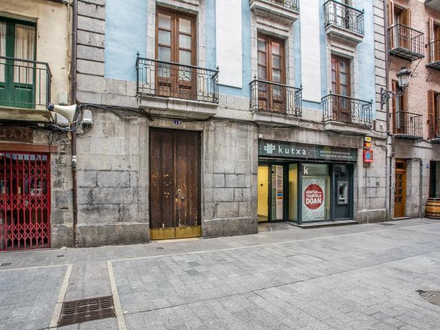 Piso en venta en Azkoitia, Guipúzcoa, Calle Nagusia Kalea, 102.000 €, 3 habitaciones, 1 baño, 90 m2