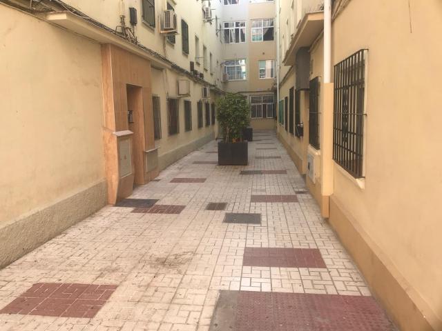 Piso en venta en Cruz de Humilladero, Málaga, Málaga, Pasaje Dolores Cerezo, 140.600 €, 3 habitaciones, 1 baño, 74 m2