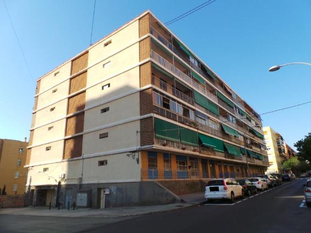 Piso en venta en Barrio Obrero, Alicante/alacant, Alicante, Calle Doctor Sapena, 59.400 €, 3 habitaciones, 1 baño, 69 m2