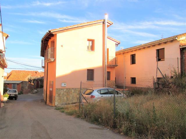 Casa en venta en Torres de Albarracín, Torres de Albarracín, Teruel, Calle Rociadero, 199.900 €, 6 habitaciones, 6 baños, 316 m2