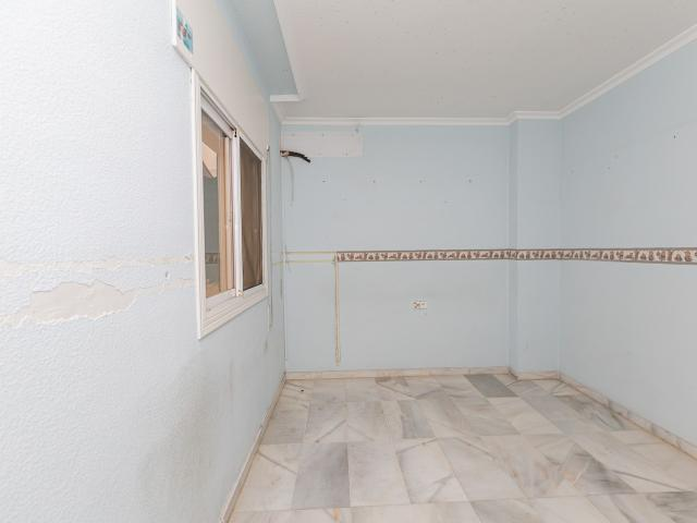 Piso en venta en Piso en Roquetas de Mar, Almería, 79.614 €, 2 habitaciones, 2 baños, 89 m2