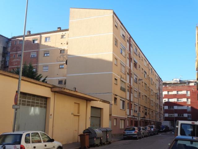 Piso en venta en Salt, Girona, Calle Angel Guimera, 69.584 €, 3 habitaciones, 2 baños, 50 m2